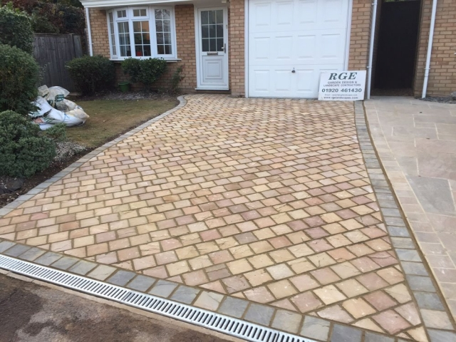 Modak Rose Sandstone Pathway Setts