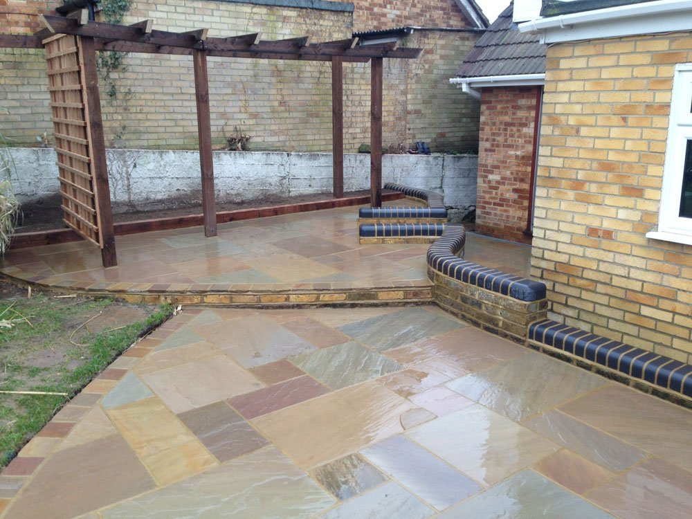 York Green Sandstone with Edged York Green Setts