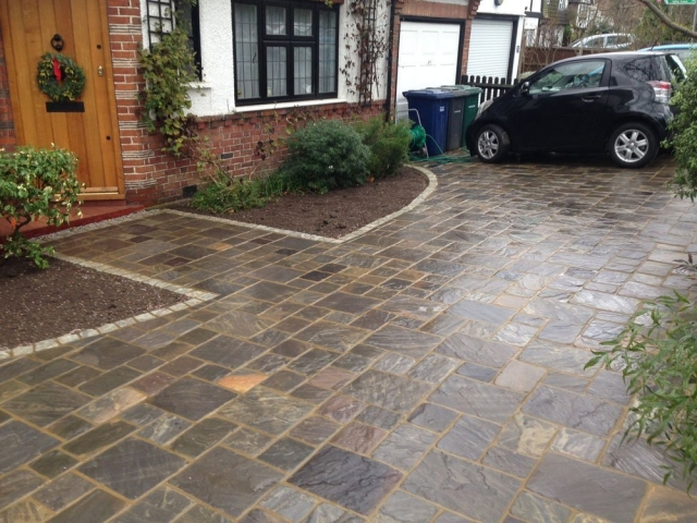 Old Rectory Cobbles in Monsoon